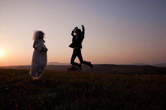 熊本 結婚式の記念写真 阿蘇大観峰草原 ロケーション前撮り 写真の新婚旅行
