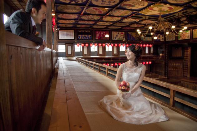 熊本県山鹿市 八千代座 二階 新郎新婦の前撮り 記念撮影