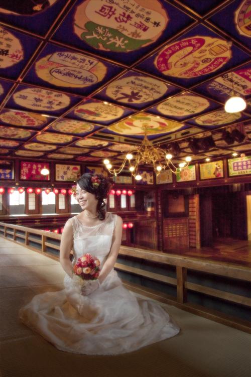 花嫁一人のイメージ写真 山鹿市 八千代座2階にて
