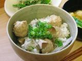 baru-loveさん『肉団子 と 牛蒡 no 炊き込みご飯』アイディアレシピを拝借し、ちょいと自分流アレンジ加えてみました。