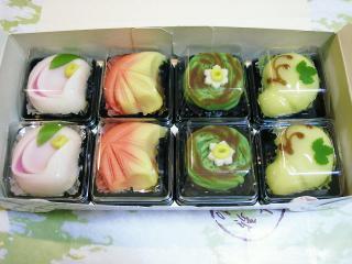 yoshiさんからのお心遣いno季節の生菓子