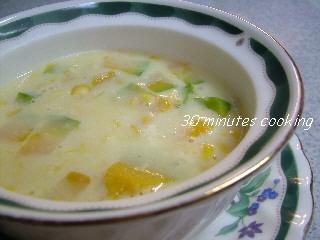 簡単かぼちゃのコーンクリームスープ