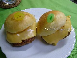 煮込みハンバーグDEミニハンバーガー♪