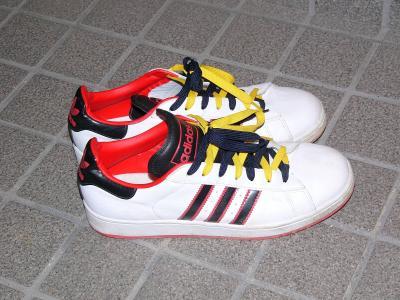 addidas靴