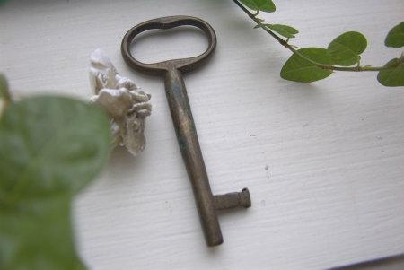 brass-key2.jpg