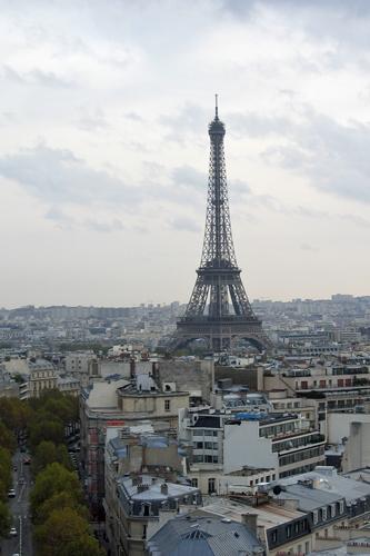 エッフェル塔も見えます