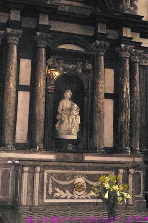 聖母子像byミケランジェロ
