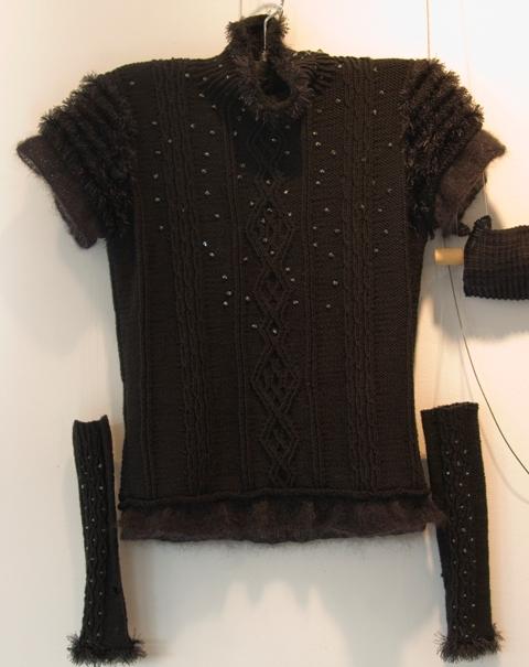 ビーズ編み込みセーター&手袋?