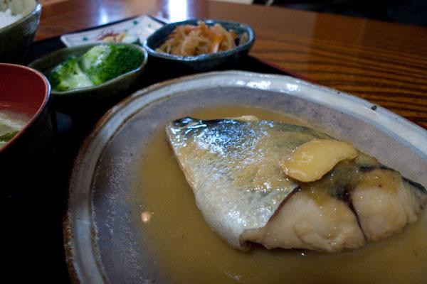 味処 奥盛 鯖味噌煮