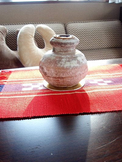 宮古島織物と壺