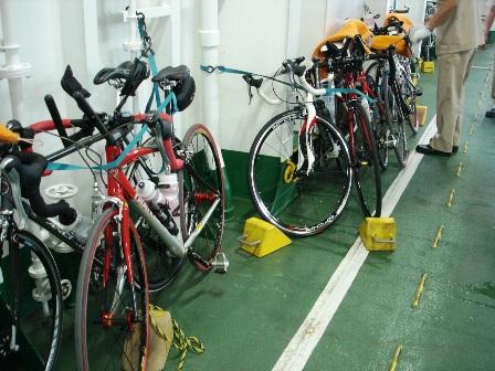 フェリーに積んだ自転車