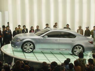 Lexus01.jpg