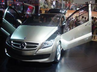Mercedes01.jpg