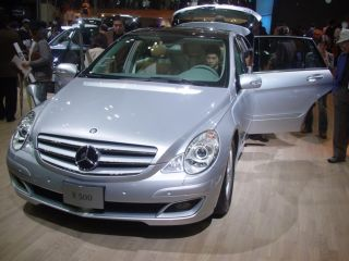 Mercedes02.jpg