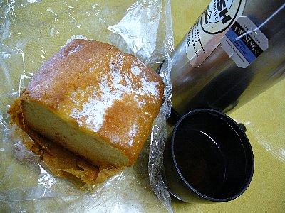 紅茶とパン