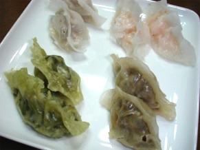 澄麺皮の蒸し餃子