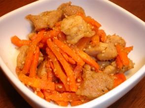 鶏肉と人参の炒め物