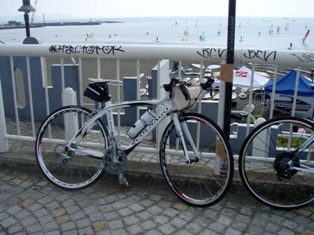 blog_江の島近くのウインドサーフィン270909