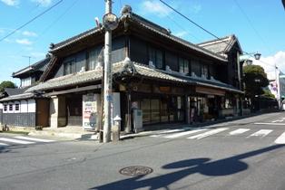 blog_古い建物とガードミラー111009