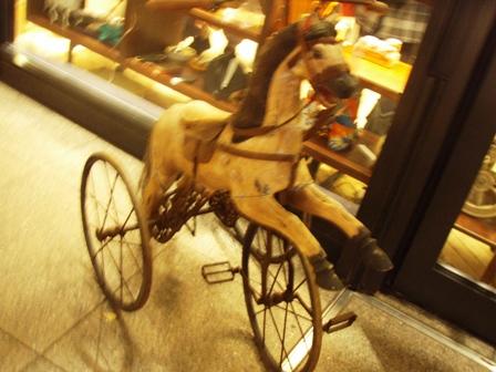 blog_馬の三輪車121209