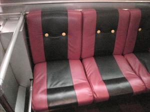 ミッキーバスのシート