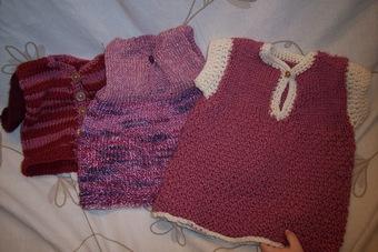 手編みのお人形の洋服たち