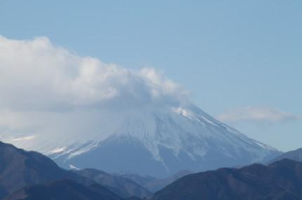 高尾山頂から見える富士山