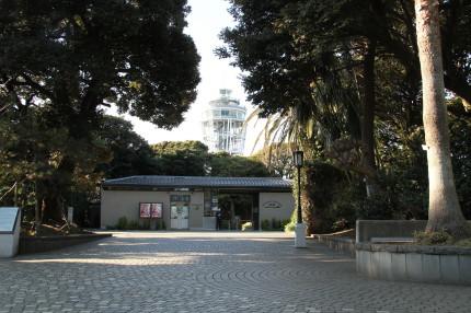 江の島サムエル・コッキング苑と江の島展望灯台