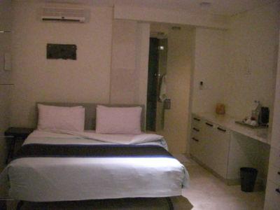 012hotel2.jpg