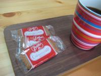 カラメルビスケットとコーヒー
