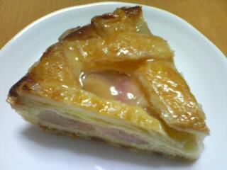 白桃とくるみのパイ