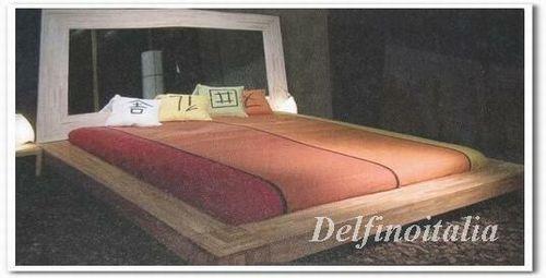 ガラス張りベッド