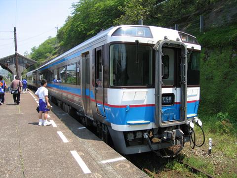 20070503_jrshikoku_dc_185_3000-01.jpg