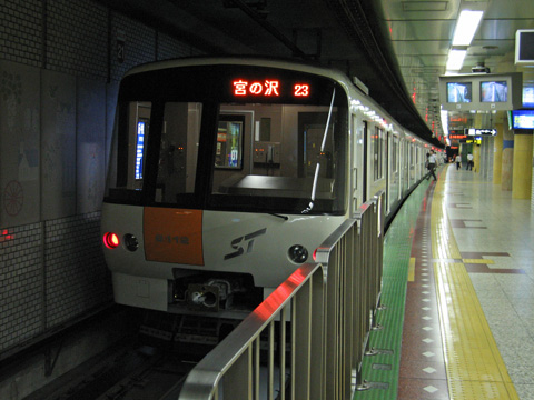 20070814_sapporo_subway_8000-02.jpg