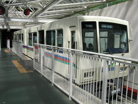 20070915_seibu_8500-01.jpg