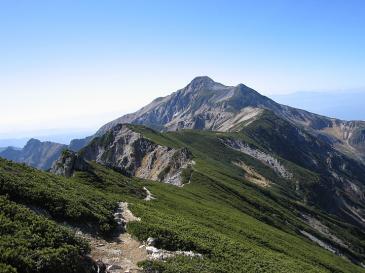 抜戸岳から笠ヶ岳への稜線 抜戸岳より