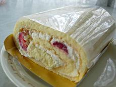 苺ロールケーキ2