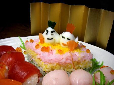 08hina_sushi130.jpg