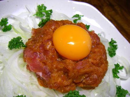 マグロ辛味噌ユッケ1