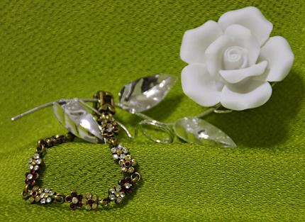 スワロフスキーのお花のブレスレット