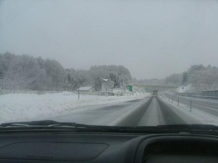 雪の高速がちょっと怖い。。