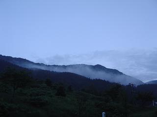 早朝水○川景色