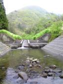 橋の下の小渓