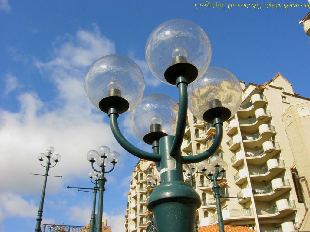 宝塚の街灯