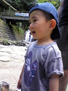 白糸の滝にて:1