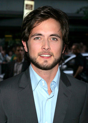Justin Chatwin-view