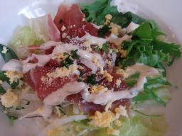 プロシュートと卵のサラダ