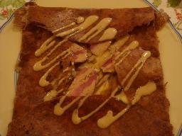 鴨の燻製とごぼう甘辛煮のガレット