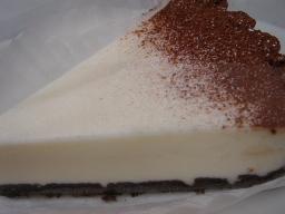 黒ココアのレアチーズケーキ