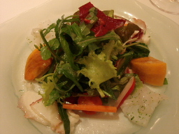 ヤリイカ、明石蛸、富有柿のサラダ仕立て